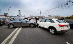 Случилось ДТП на дороге. Что необходимо предпринять водителям?