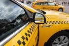На московских дорогах только желтые такси