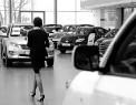 В течение 6 месяцев 2012 года россияне потратили на машины более триллиона рублей