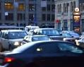 Депутаты от ЛДПР предложили приравнять легковые машины с пассажирами к общественному транспорту