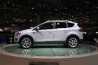 Ford выпускает на рынок модернизированный кроссовер Kuga и обновленную Fiesta ST