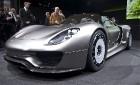 Porsche в Женеве представил гибридный супер-спорткар 918 Spyder
